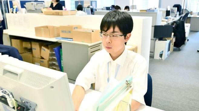自閉症と診断された22歳が挑む「会社員生活」
