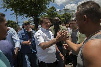 ブラジル大統領がマスク着用義務の免除を検討