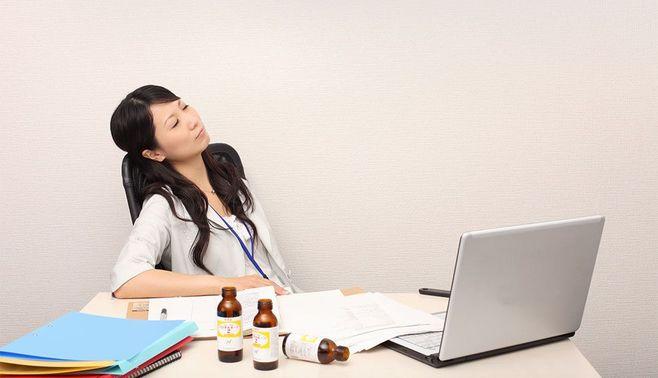 栄養ドリンク「グイッと1本」で疲労が倍増?