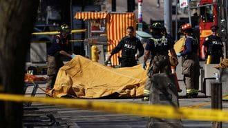 トロントで自動車が暴走、死亡者15人の惨事