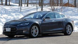 テスラ「モデルS」の進化が映す自動車の未来