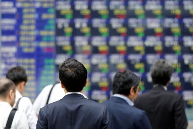 日経平均続伸、内需・中小型株に利益確定売り