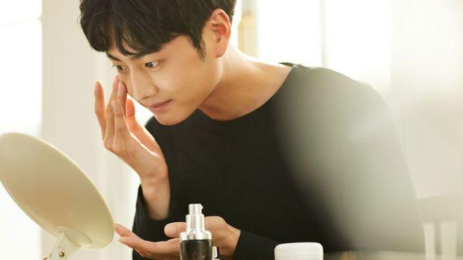 若い日本男子が化粧する「メイク男子現象」の謎