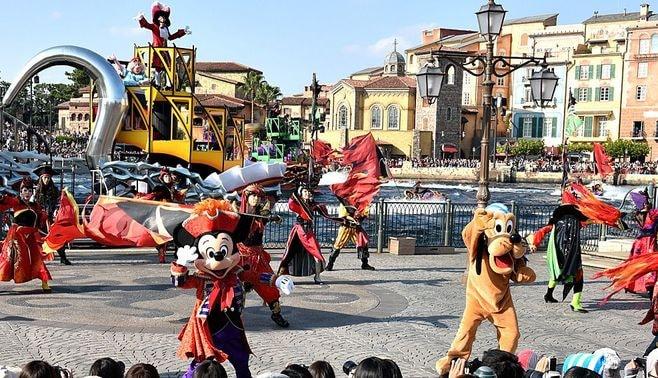 東京ディズニー、「独り負け」に潜む深謀遠慮
