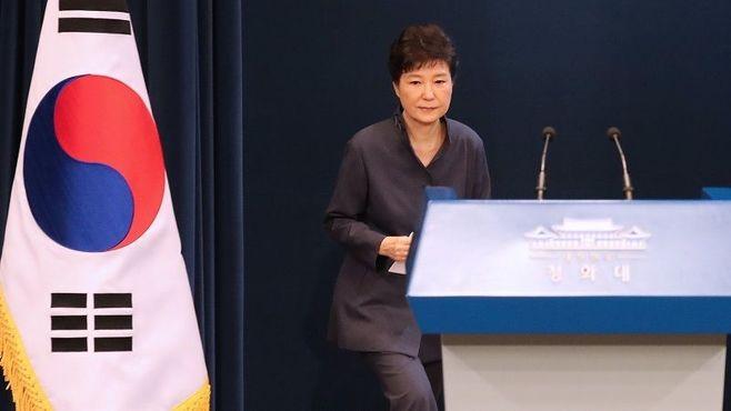 韓国大慌て!大統領を突如襲った疑惑の行方