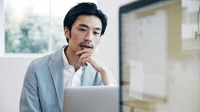 転職をするとき、「お金」よりも「60歳を超えても続けられるか」が重要になってくる(写真:Fast&Slow / PIXTA)