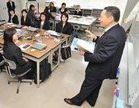 【映像解説】日本の「課長」さんはたいへんだ! 悪戦苦闘でメンタルヘルスに懸念も