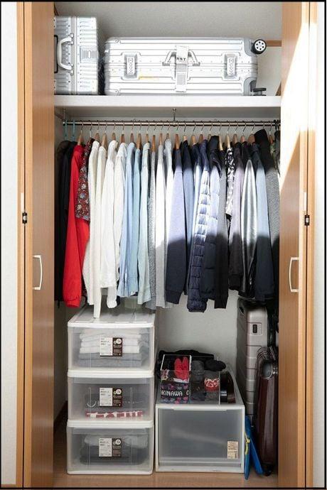 持っている衣服すべてが見渡せるよう、スッキリさせておくのがポイント(撮影:田中達晃+石川咲希/Pash)