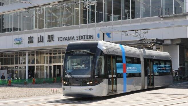 富山LRT「南北接続」、地方交通の新潮流を生むか