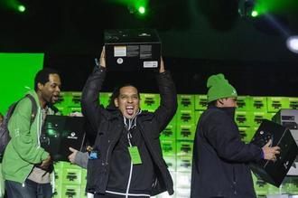 米マイクロソフト新型Xbox販売好調