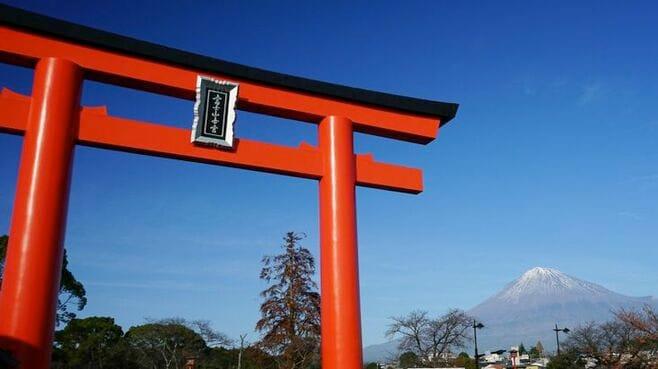 """富士山は誰のもの?県が""""登山税""""徴収構想"""