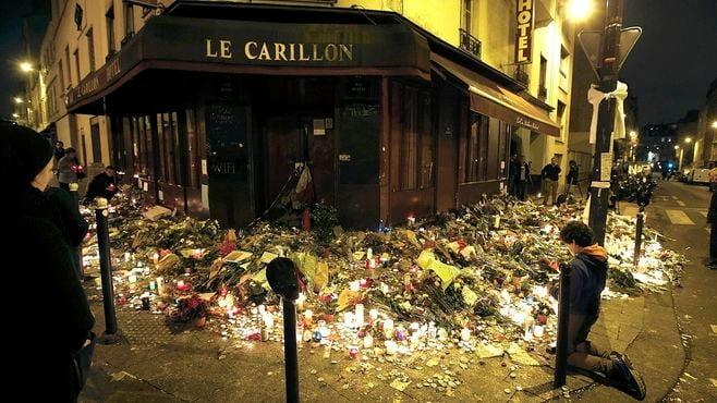 パリ同時テロに潜む「失われた40年」の十字架