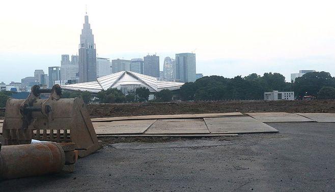 """新国立競技場、船頭なき""""大艦""""の視界不良"""
