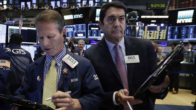 「7のつく年」、株式市場は夏を乗り切れるのか