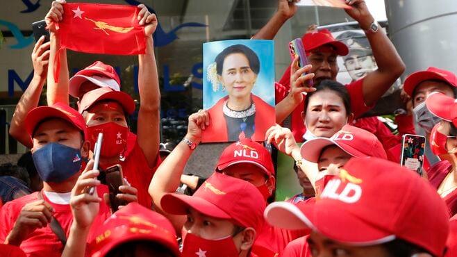 スーチー氏拘束、跋扈するアジアの「権威主義」