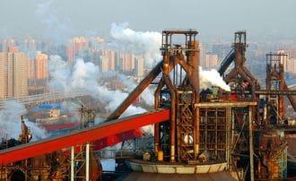 日本の鉄鋼業は中国リスクに立ち向かえるか