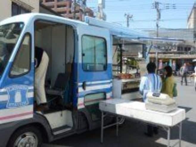 ローソンの移動コンビニ車「モバイルローソン号」発進!【震災関連速報】