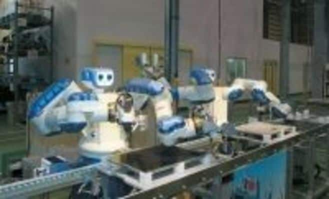 """リンゴの皮むく鉄腕アトム 安川電機""""ロボット社長""""の夢"""