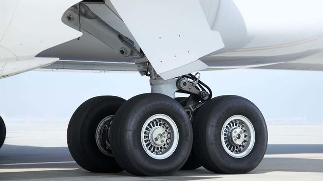立ち入り厳禁!最先端「航空機タイヤ」の秘密