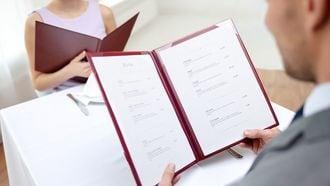 女性との会食で「どれにする?」と聞かないで