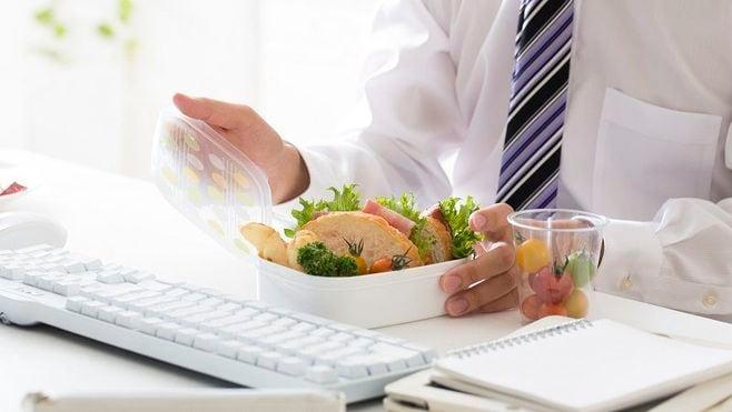 その「ささいな不調」、実は食中毒の症状かも