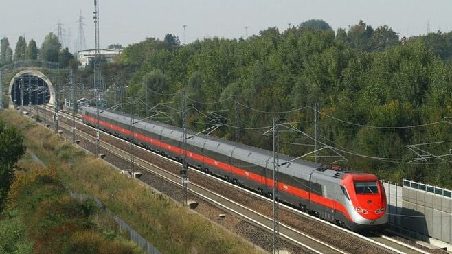 欧州で伸びる鉄道利用、理由は「飛ぶのは恥」