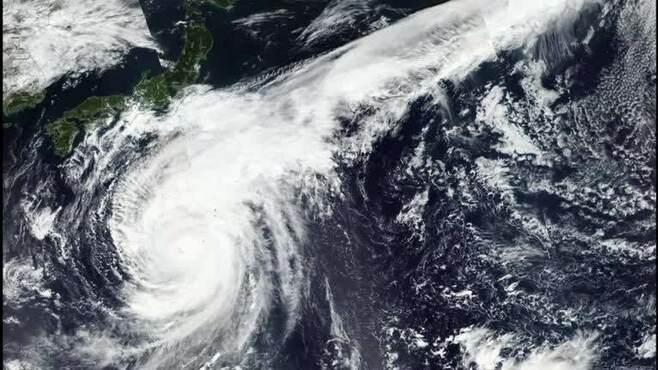 台風19号の「低気圧」で体調が悪い人の特徴