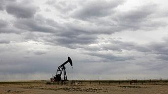 原油暴落で窮地に立つ米シェール企業の耐久力