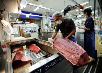 マグロを食べる人の激減で損害被る人々の苦難