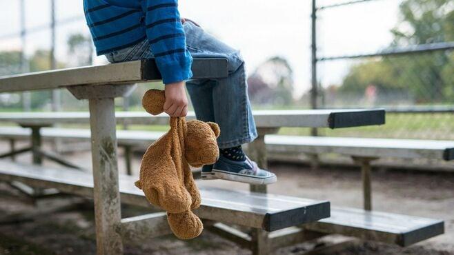 児童相談所職員にのしかかる何とも過重な負担