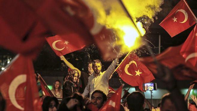 クーデター未遂事件で膨らむ「トルコの危機」