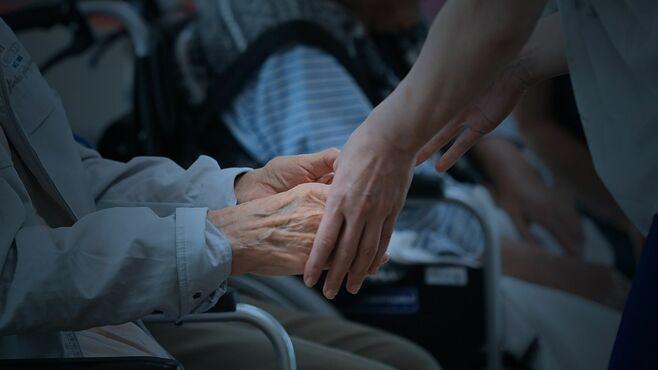 在宅介護「代わりがいない」彼らに迫りくる限界