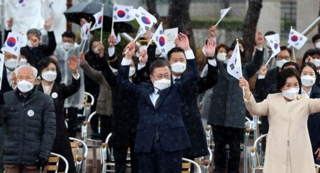 韓国大統領「日本は重要な隣国」と述べた理由