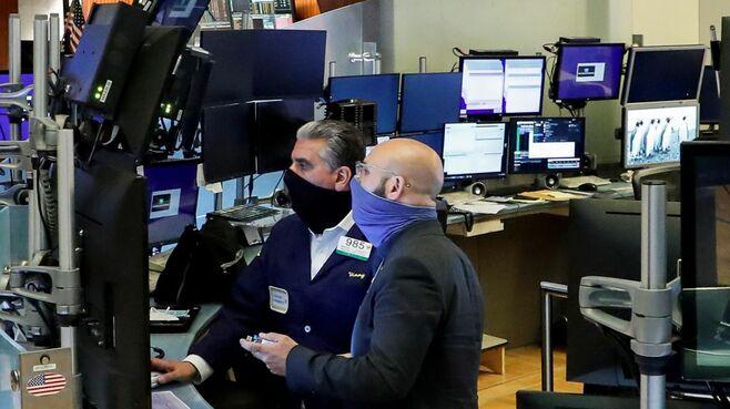 アメリカの株価が落ちそうで落ちないワケ
