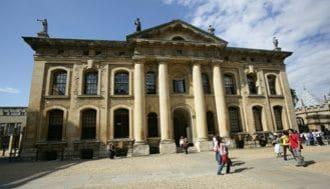 オックスフォードOB、エリート教育を語る