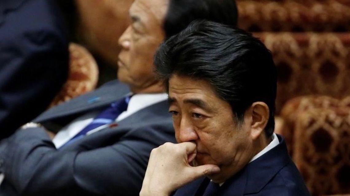 安倍首相の進退、永田町で飛び交...