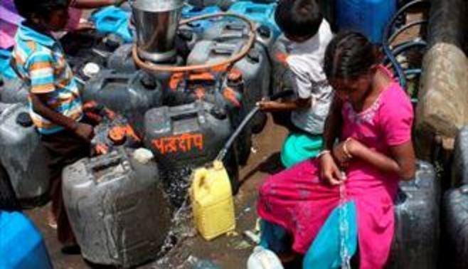インドで動き出す「ガンジス川浄化大作戦」