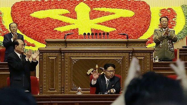 北朝鮮、金正恩「第1書記」から「党委員長」へ