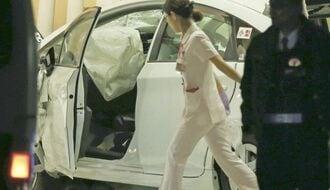 福岡で病院にタクシー突っ込み男女3人死亡