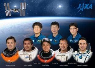 宇宙飛行士100人のトップに立つ...