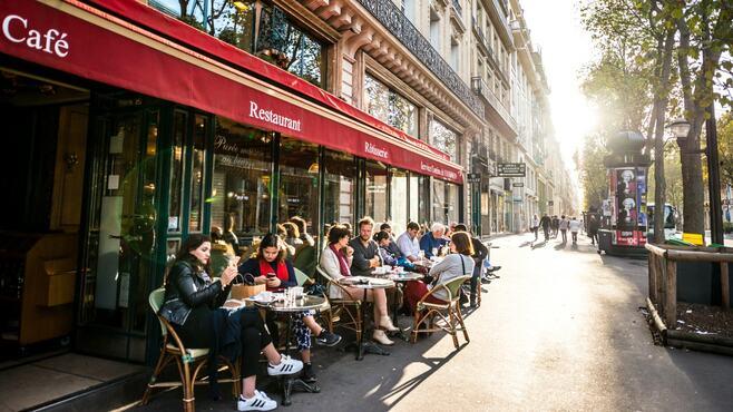 フランス人が高くても外で「ランチ」をする理由