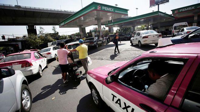 燃料盗難が多発するメキシコ「笑えない対策」