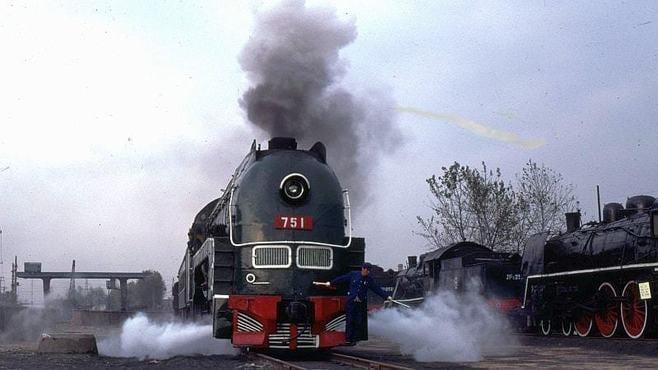 貴重映像!満鉄「あじあ号」の機関車が動いた