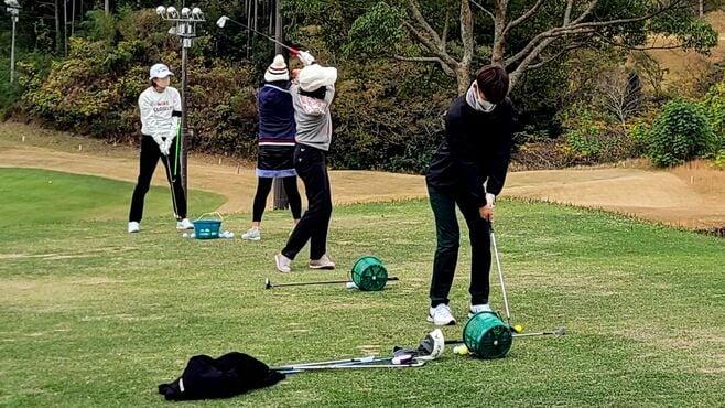 コロナで追い風「ゴルフに若者急増」が映す課題