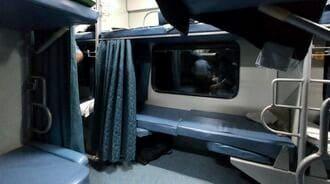「寝台列車の楽園」インドは日本と何が違うのか