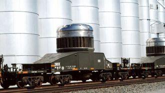 ルート極秘、米国の荒野を走る「核廃棄物」列車