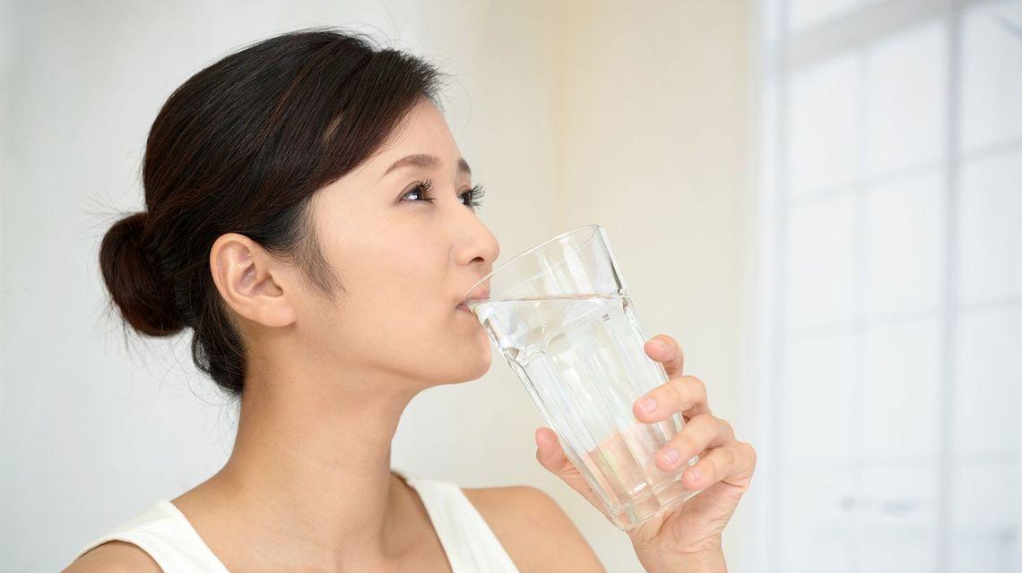 水を飲んで「体調を崩す人」「健康になる人」の差 | OCEANS | 東洋経済 ...