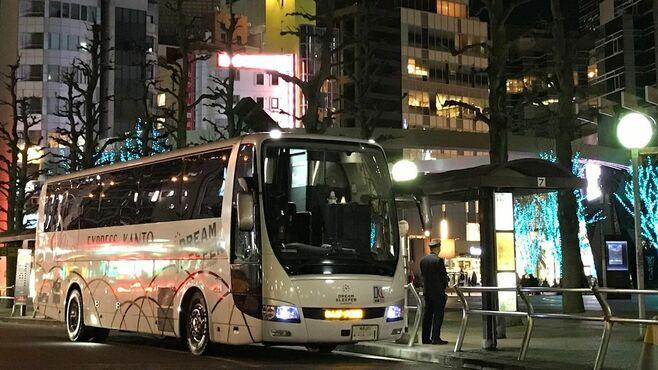 1台わずか11席!個室で「安眠できる」夜行バス