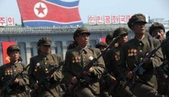 年末に「北朝鮮核ミサイル発射」という衝撃