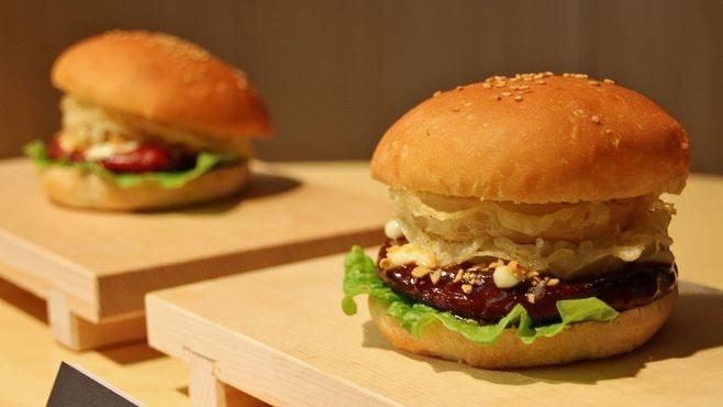 くら寿司「ハンバーガー」で打倒スシローなるか